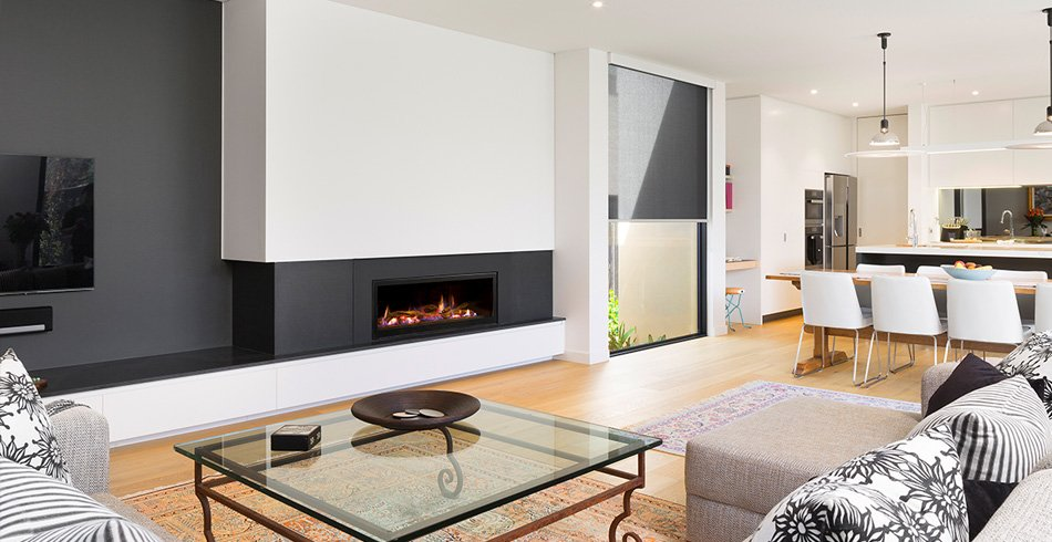 Seamless landscape log fireplace Hampton